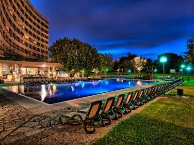 14 piscina à noite291542